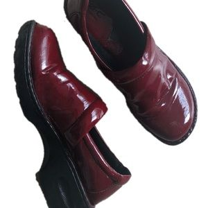 Maroon red shiny BOC clogs size 10